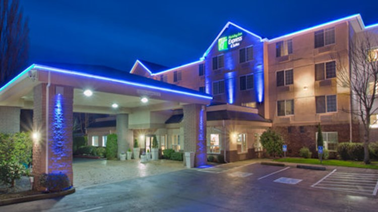 Holiday Inn Express Hotel & Suites North Exterior