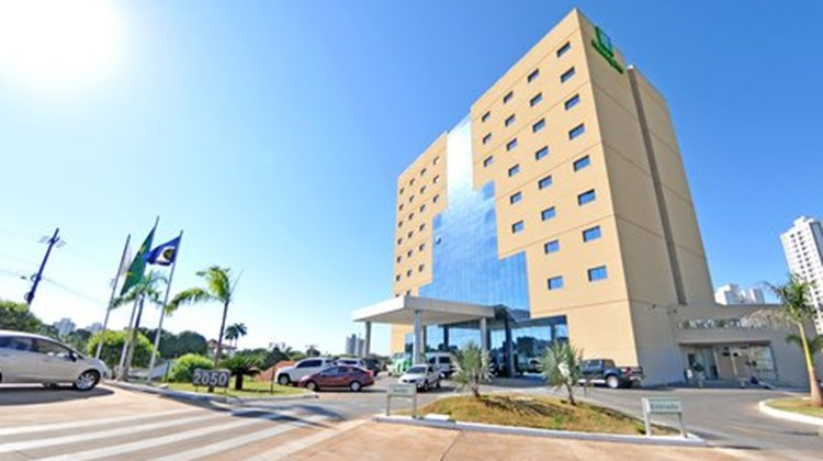 Holiday Inn Express Cuiaba Exterior