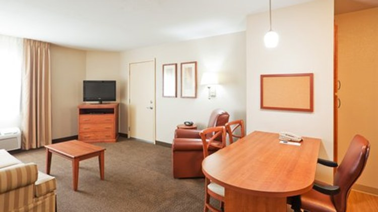 Candlewood Suites Montgomery North Suite