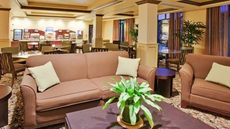 Holiday Inn Express & Suites Atascadero Restaurant