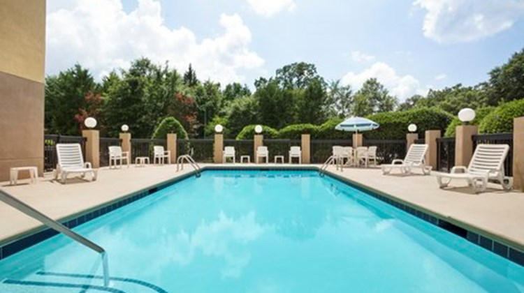 Country Inn & Suites at Carowinds Pool