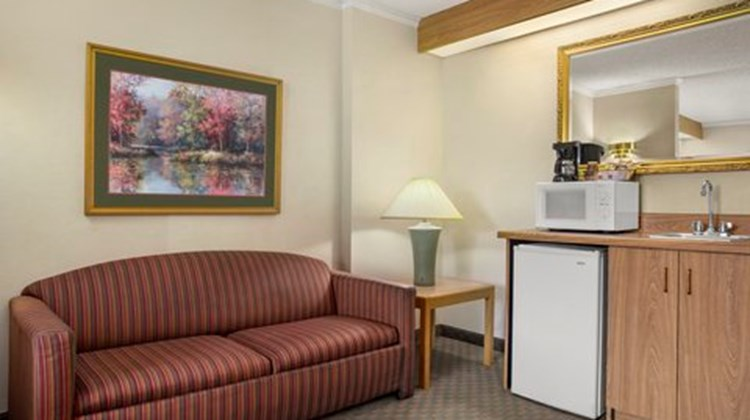 Country Inn & Suites at Carowinds Suite