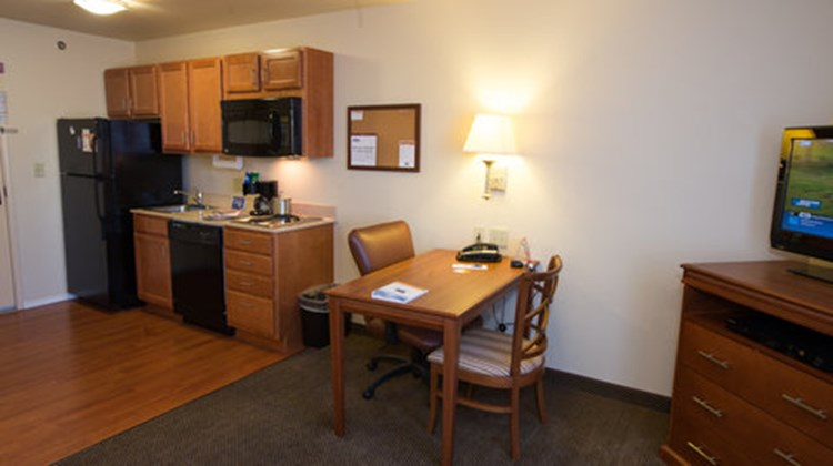 Candlewood Suites Springfield South Room