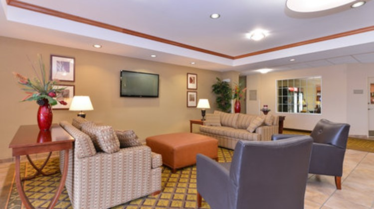 Candlewood Suites Horseheads Lobby