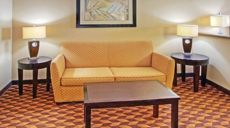 Holiday Inn Express Albuquerque Midtown Suite