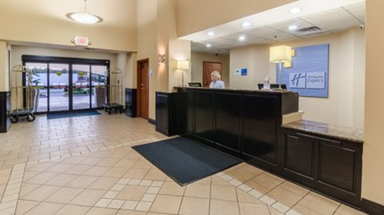 Holiday Inn Express Hotel/Suites Vinita Lobby