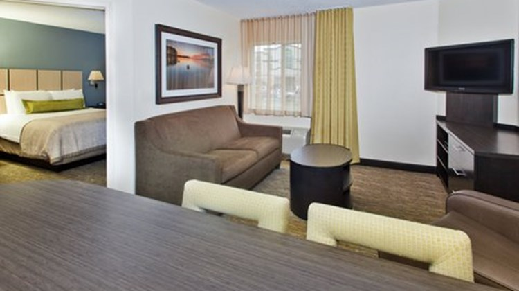 Candlewood Suites by the Galleria Room