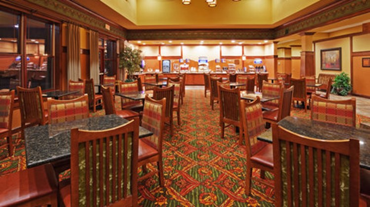 Holiday Inn Express & Suites Springfield Restaurant