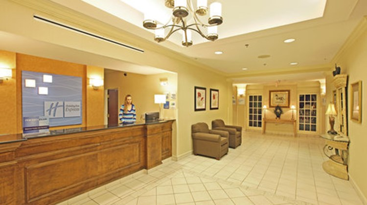 Holiday Inn Express Lobby