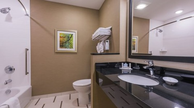 Fairfield Inn & Suites Afton Room