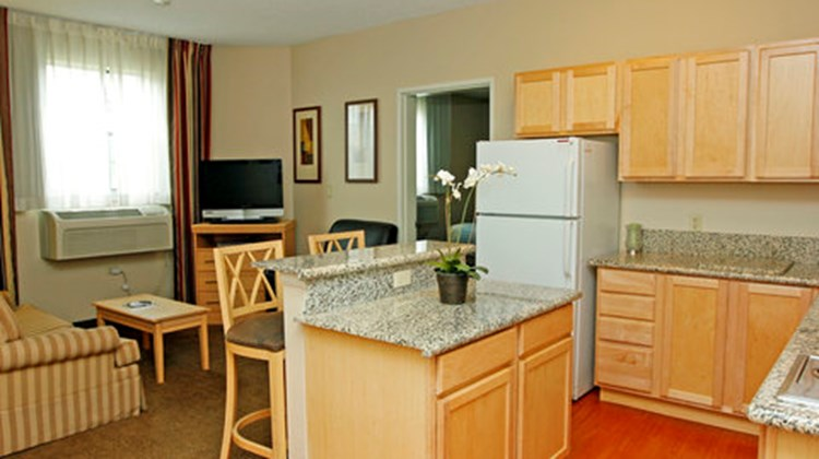 Candlewood Suites Meridian Business Ctr Room