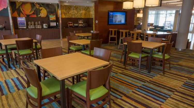 Fairfield Inn/Suites Geneva Finger Lakes Restaurant