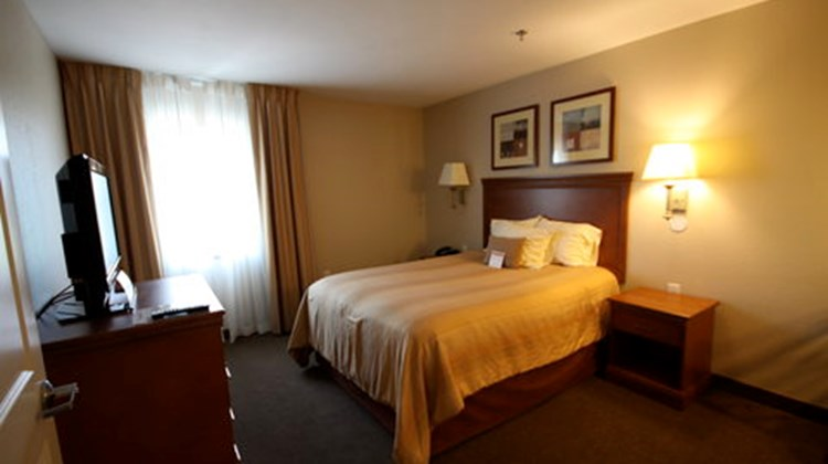 Candlewood Suites Leray-Watertown Suite