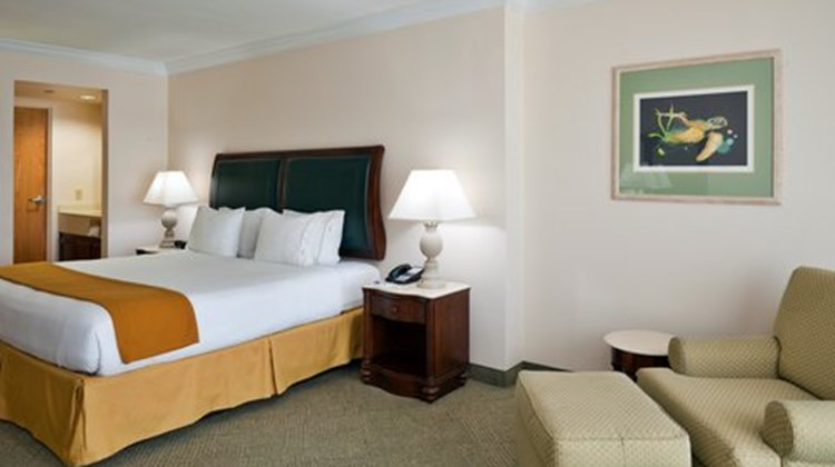 Holiday Inn Express Pensacola Beach Room