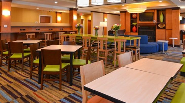 Fairfield Inn & Suites Ft Pierce Restaurant