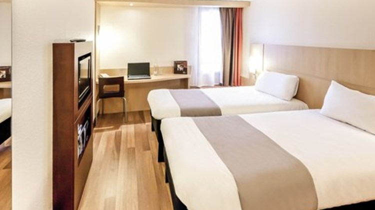 Ibis Cherbourg Room