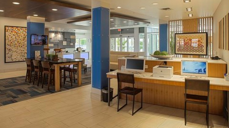Holiday Inn Express & Suites Airport Other