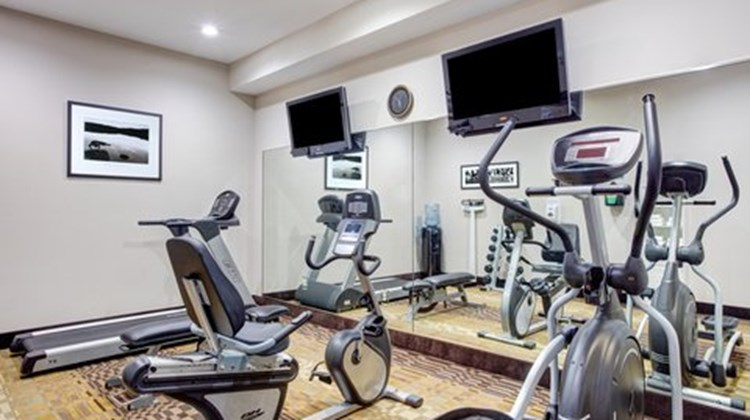 Holiday Inn Express & Suites Galliano Health Club
