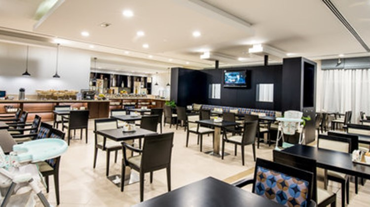 Holiday Inn Express Dubai/Jumeirah Restaurant