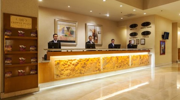 Crowne Plaza Torreon Lobby