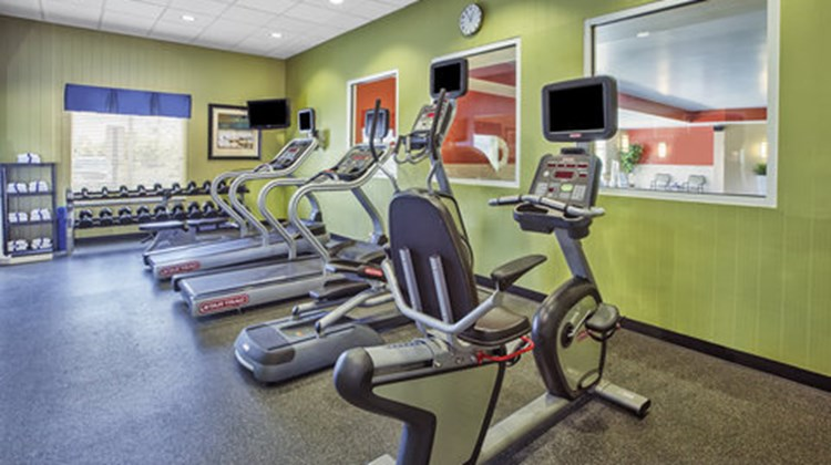 Holiday Inn Express Hotel & Suites Dayto Health Club