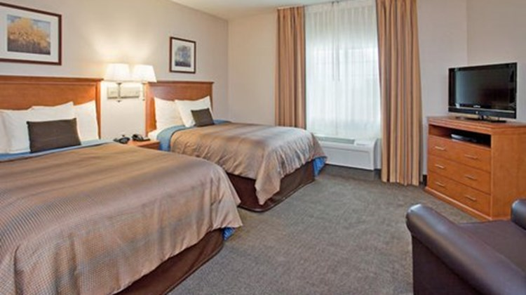 Candlewood Suites Northeast Room