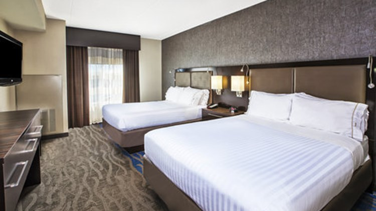 Holiday Inn Express Hotel & Suites Dayto Room