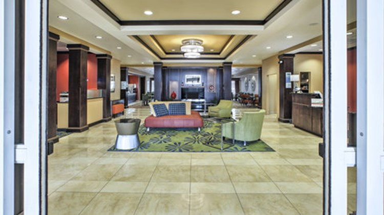 Holiday Inn Express Hotel & Suites Dayto Lobby
