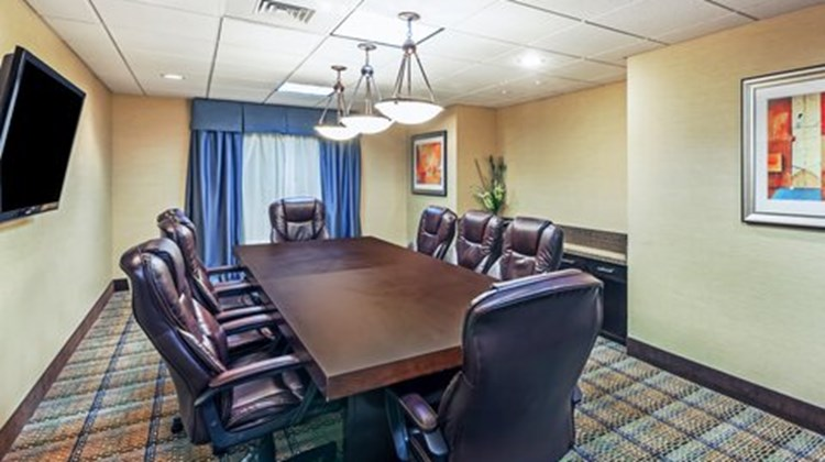 Holiday Inn Express & Suites Beaumont NW Meeting