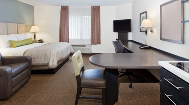 Candlewood Suites Silicon Valley Room