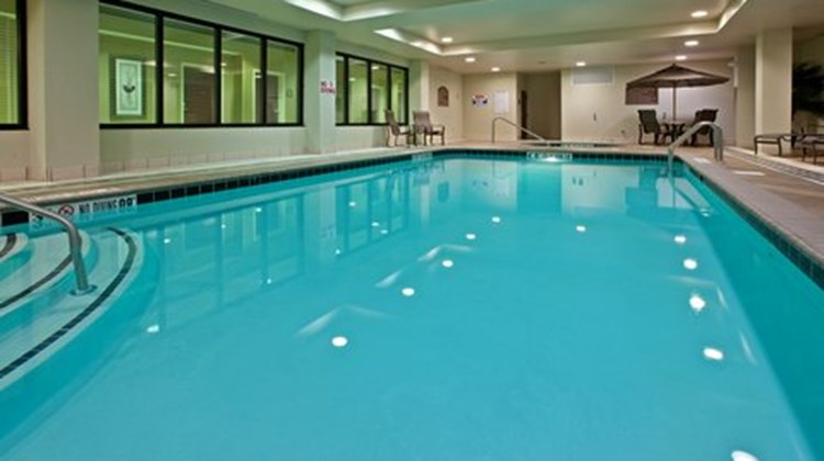 Holiday Inn Express & Suites Seymour Pool