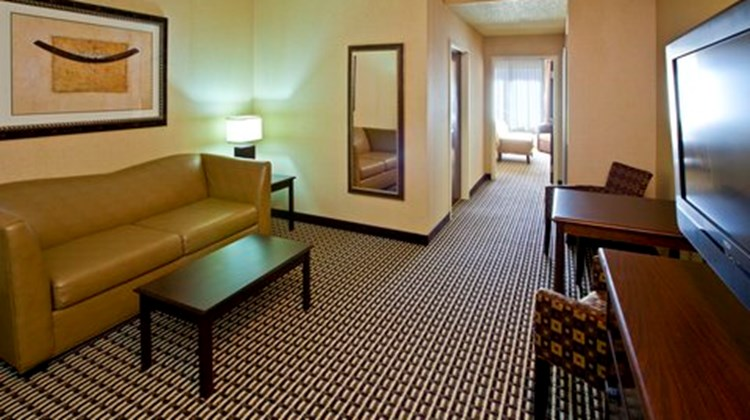 Holiday Inn Express & Suites Seymour Suite
