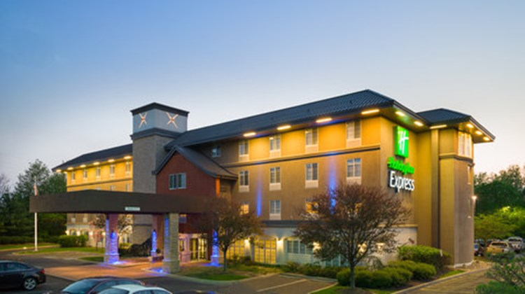 Holiday Inn Express of Langhorne/Oxford Exterior