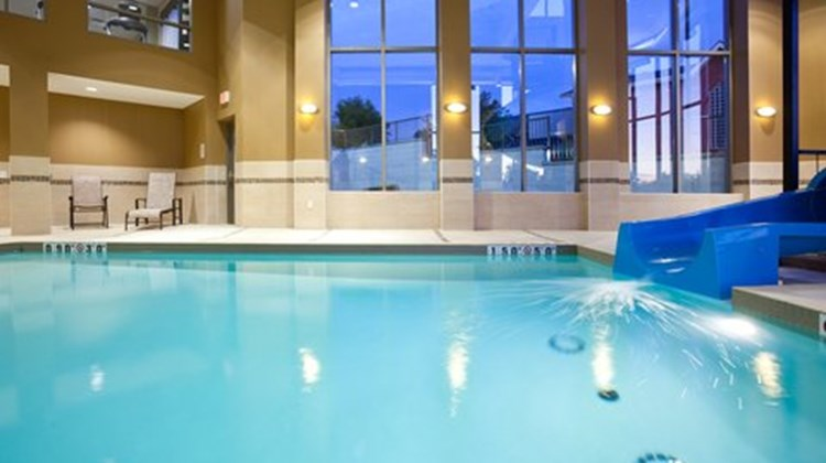 Holiday Inn Express Woodstock South Pool