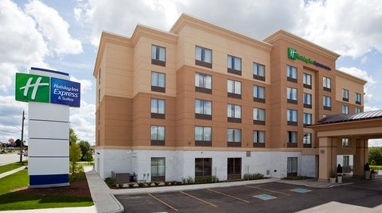 Holiday Inn Express Woodstock South Exterior