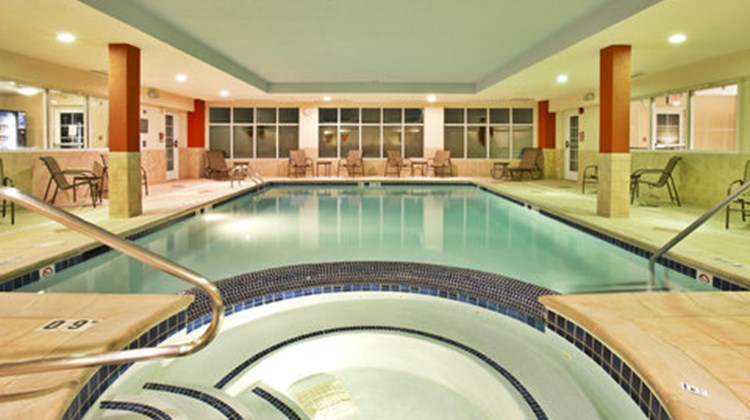 Holiday Inn Express Hotel & Suites-North Pool