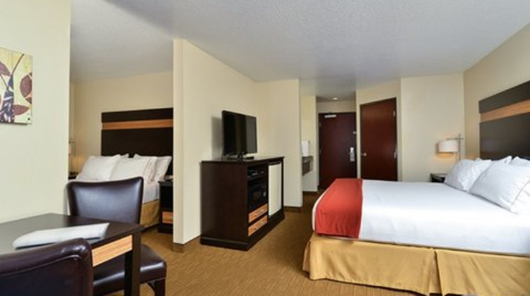 Holiday Inn Express Portland SE Room