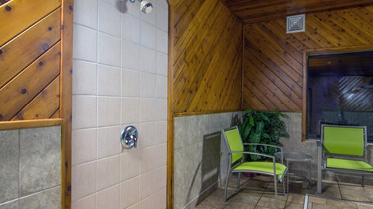 Holiday Inn Express & Suites Wauseon Pool