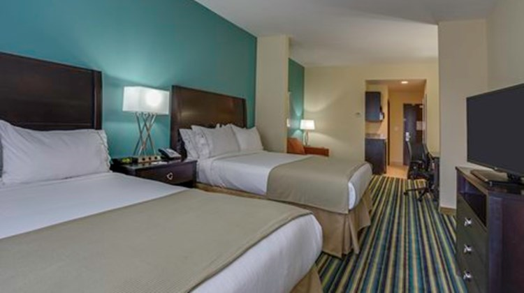 Holiday Inn Express Orlando East Suite