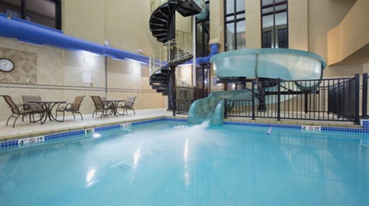 Holiday Inn Express Hotel & Suites Recreation