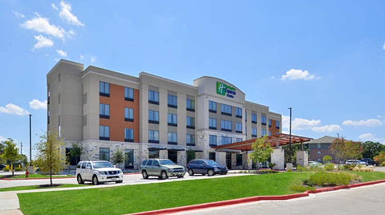 Holiday Inn Express & Sts Austin South Exterior