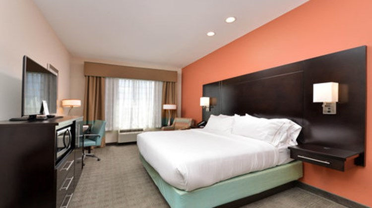 Holiday Inn Express & Sts Austin South Room