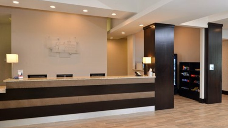 Holiday Inn Express & Sts Austin South Lobby