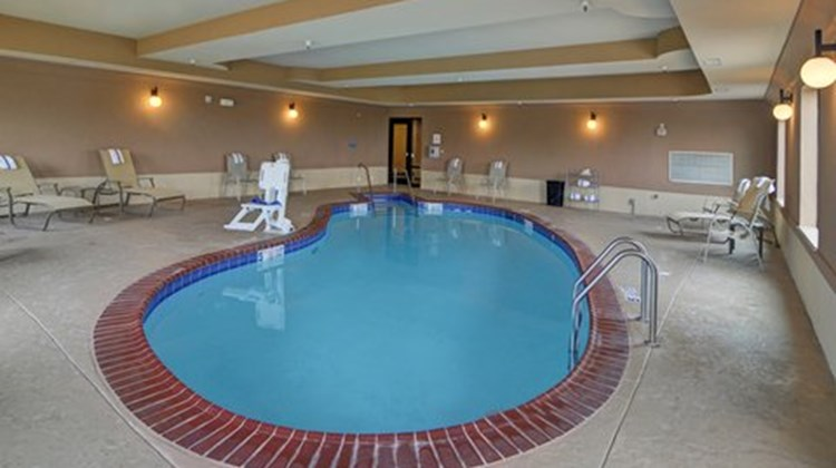 Holiday Inn Express & Suites Altus Pool
