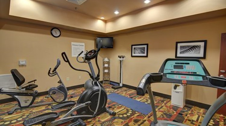 Holiday Inn Express & Suites Altus Health Club