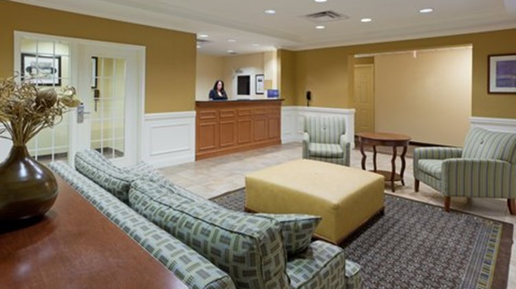 Candlewood Suites Manassas Lobby