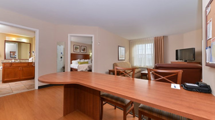 Candlewood Suites Horseheads Suite