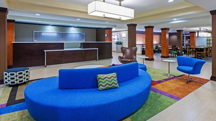 Fairfield Inn & Suites Rogers Lobby