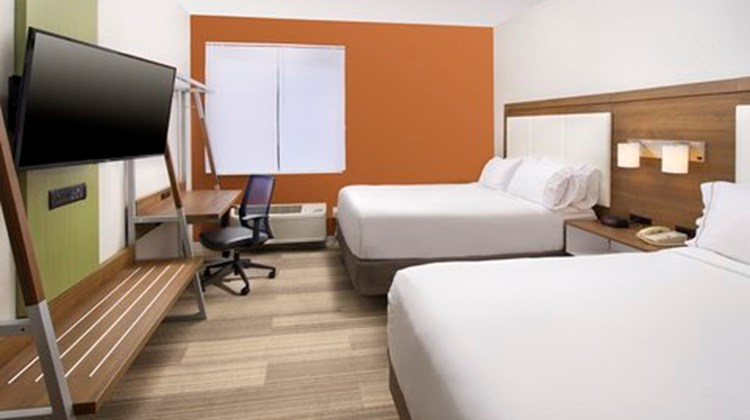 Holiday Inn Express Downtown Market Area Room