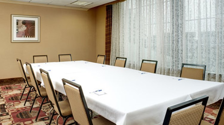 Holiday Inn Express & Suites Downtown Meeting